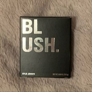 Kylie Pressed Blush - Baddie On The Block